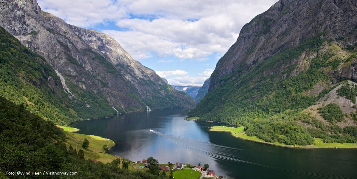 large-The Naeroyfjorden-Oyvind Heen - VisitNorway